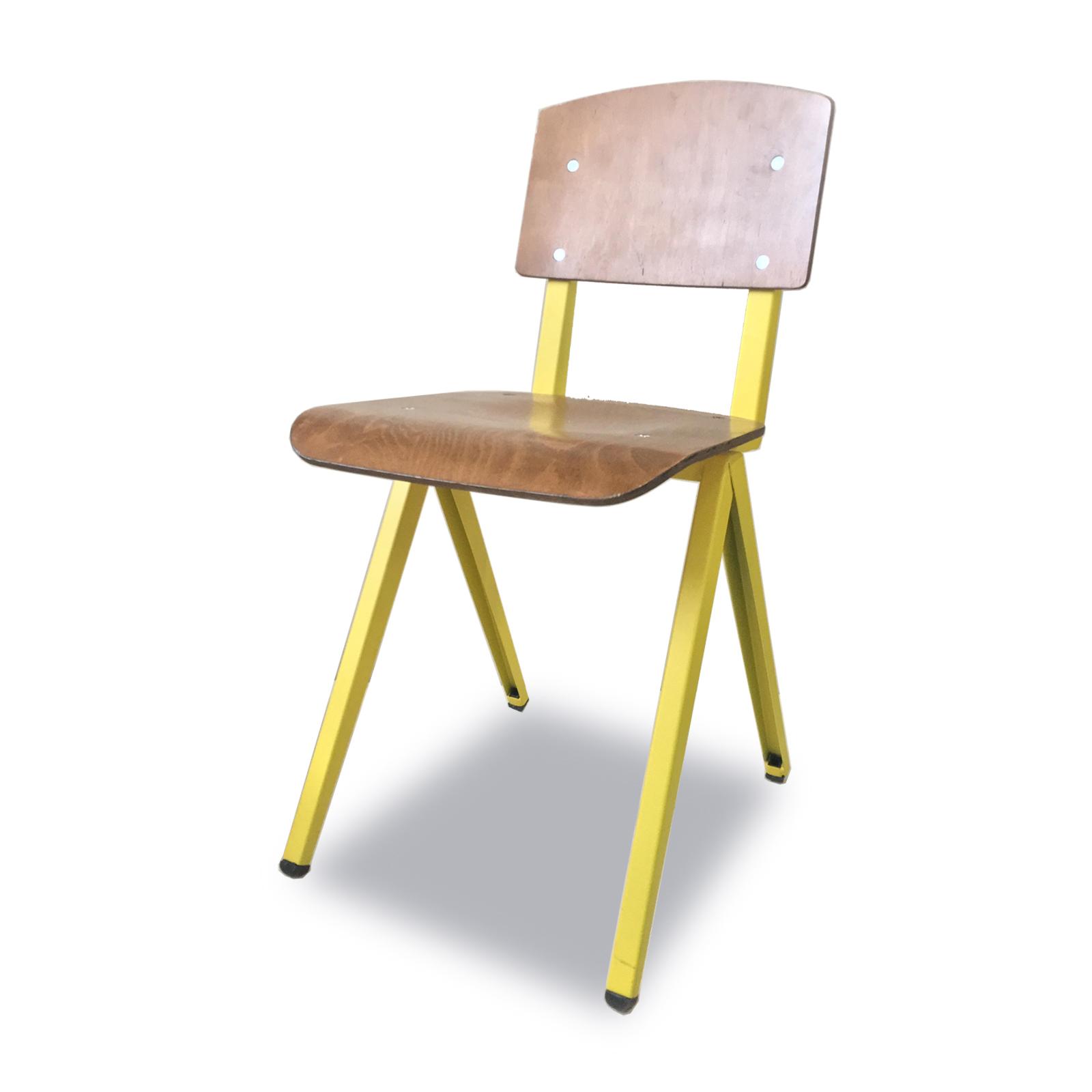 כסאות עץ למסעדות